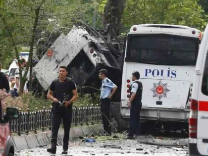 istanbul-bus-attack2