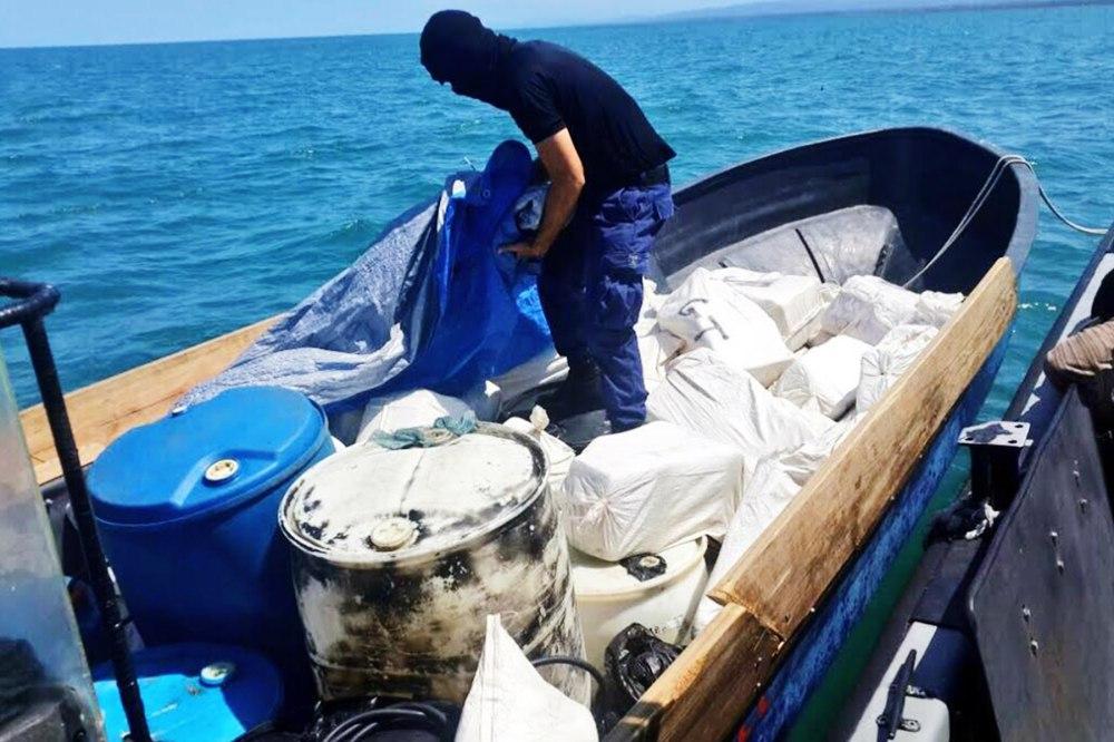 Tunisian Coast-Guards Seize over 31 kg of Cocaine